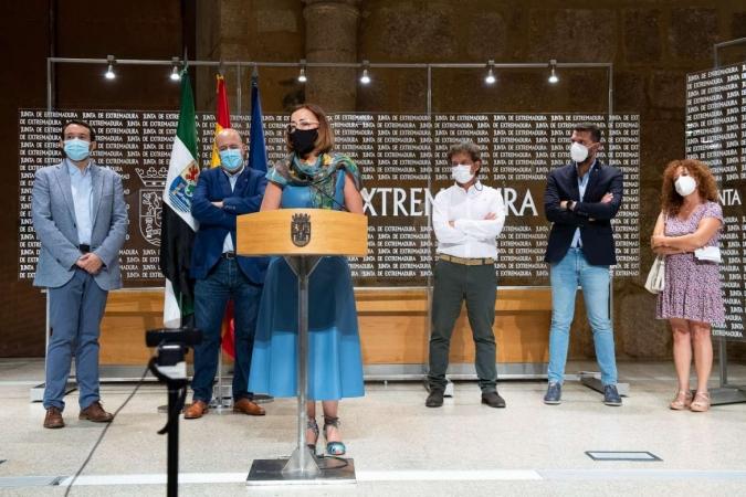 La estrategia 'Extremadura, Buenas Noches' de la Junta se une al manifiesto para una iluminación pública sostenible que promueve la Asociación Nacional Slowlight