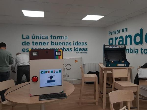 REDEX colabora con la Red Circular Fab de la Diputación de Cáceres. Nuevos espacios de emprendimiento e innovación abiertos a la población para que puedan inventar su empleo y forma de ganarse la vida.